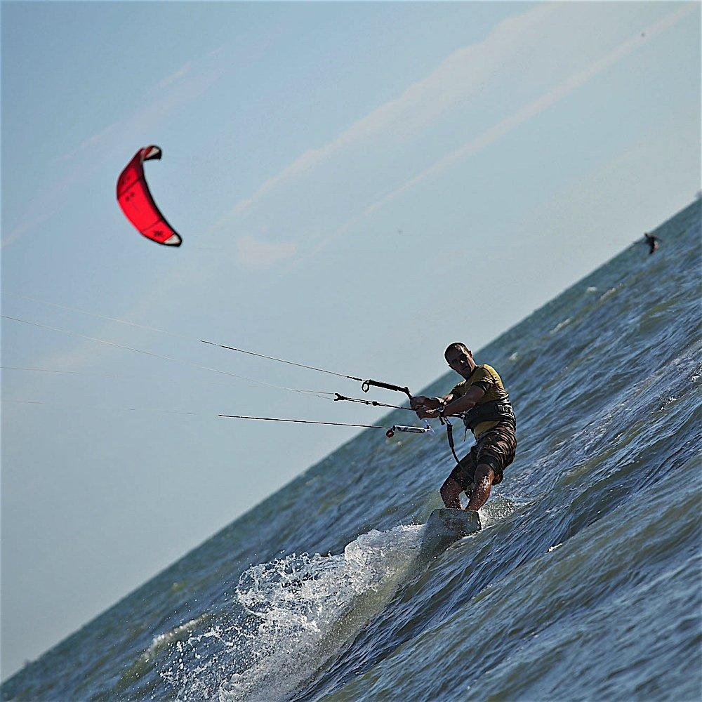 corso-base-di-kitesurf.jpg