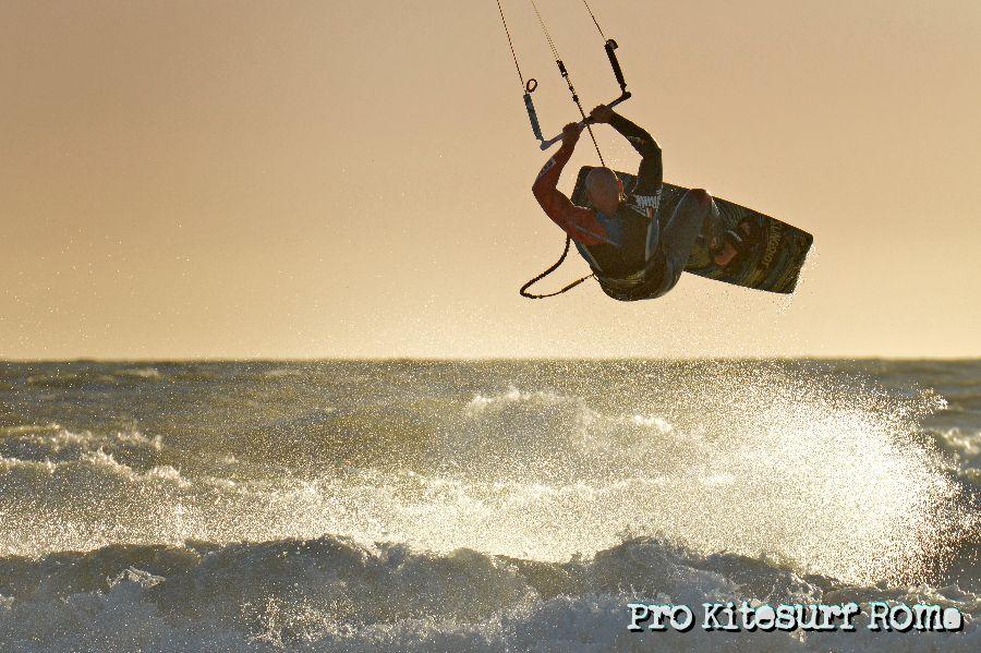 Pro-Kitesurf-Roma-Scuola-corsi-lezioni-Kite-Kite-Camp-Berenice-2013-1-1.jpg