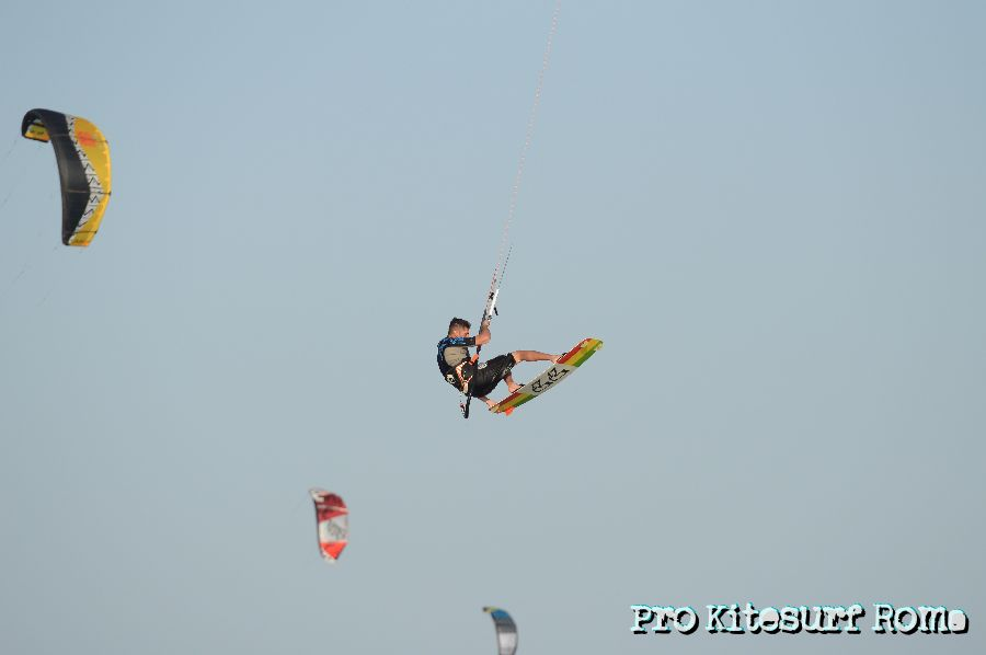 Pro-Kitesurf-Roma-Kite-Camp-Berenice-Simone-Lori-Big-Jump-21431.jpg