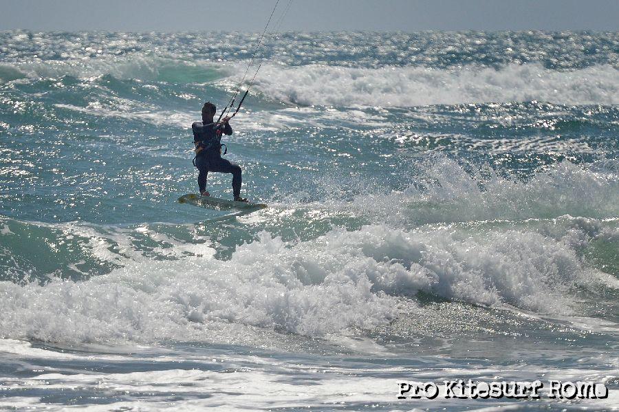 Pro-Kitesurf-Roma-corsi-di-kiteboard-kitesurfing-kitesurf-in-Italia-e-nel-Lazio-5528.jpg