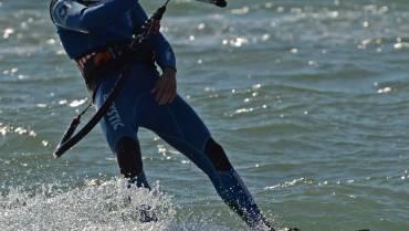 Pro-Kitesurf-Roma-corsi-di-kiteboard-kitesurfing-kitesurf-in-Italia-e-nel-Lazio-Simone-Lori-Slingshot-Fuel-2014-5568.jpg