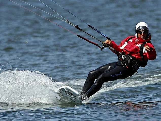 Francisco Lufinha batte il record mondiale di distanza percorsa in kite 03
