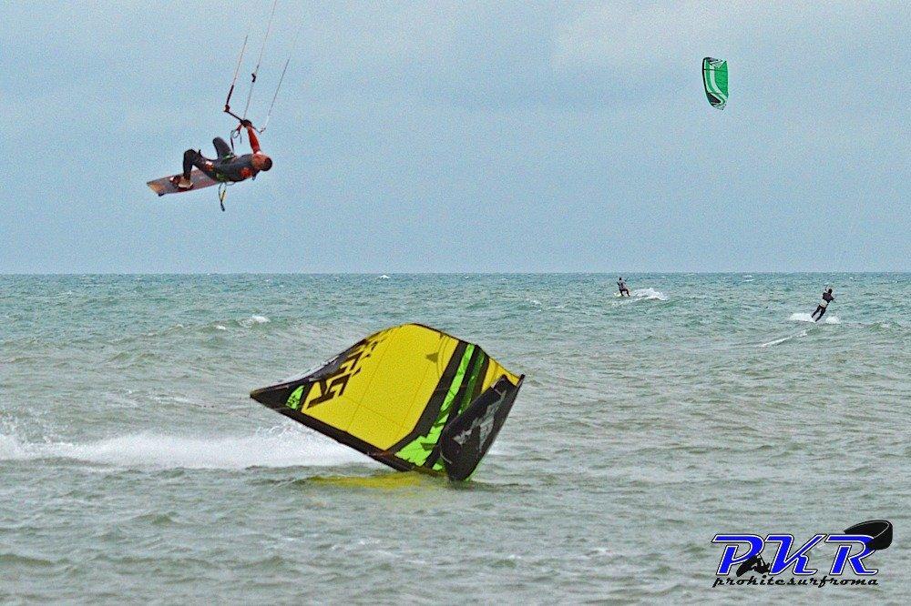 kiteboard-freestyle-front-mobe12.jpg