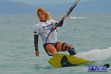 Decise e impavide le donne che praticano il kitesurf