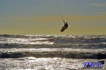 Kitesurf Basic Jump: le giuste manovre per il salto
