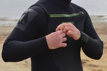 Test: Winter wetsuit MYSTIC LEGEND front zip 5.3