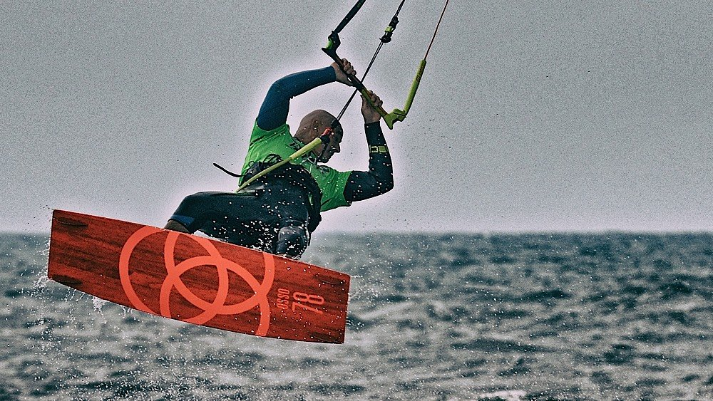 Tutorial Kitesurf Freestyle: Back Roll con onda