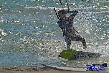 Emanuele Minutello: Passione e Stile Kitesurf Freestyle