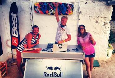 Youri Zoon e Gisela Pulido lasciano Best Kiteboarding