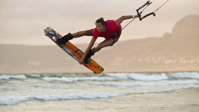 Karolina Winkowska, Back mobe nose grab, Kitesurfing Trick