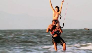 Fughe dall'ufficio con teletrasporto – Kitesurfing Video