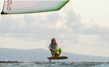 Hydrofoil Kitesurfing a Maui, Hawaii – Video spettacolare