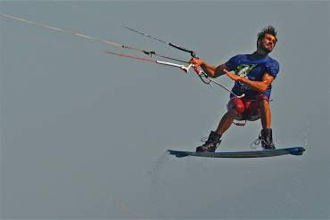 Emanuele Minutello: allenamento per le gare kitesurfing freestyle