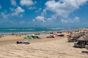 I Campioni del Kitesurfing Freestyle nello spot di Taiba, Brasile