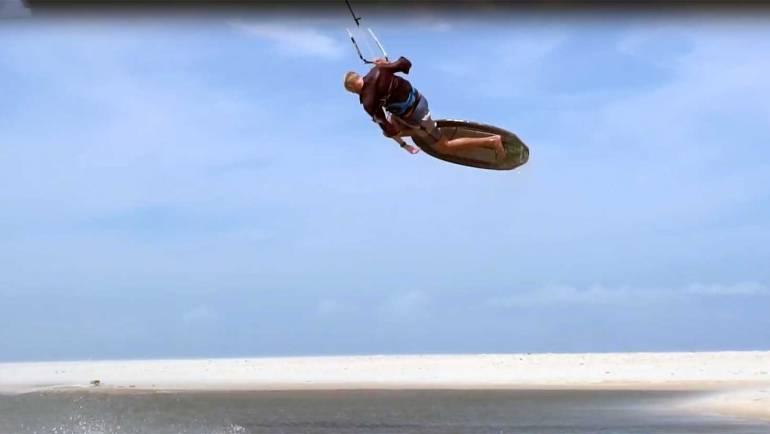 Steven Akkersdijk Kitesurfing Freestyle Strapless in Brasile