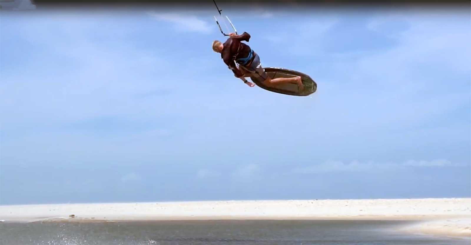 kitesurfing freestyle strapless
