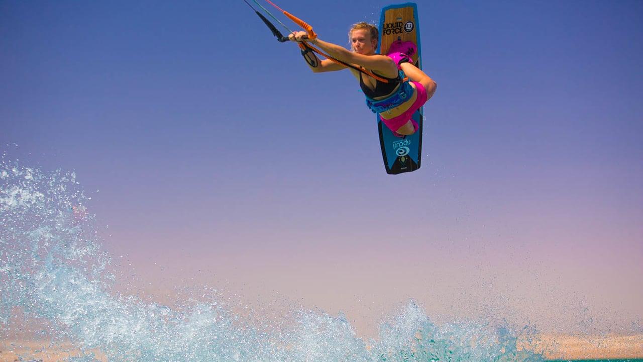Kitesurfing Freestyle nella laguna di Taiba, Brasile – Protagonista: Helena Brochocka