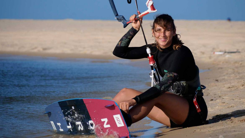 Francesca Bagnoli sul podio nel campionato mondiale kitesurfing freestyle WKL