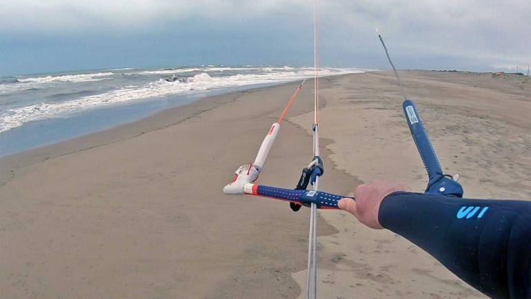 PKR Kitesurf video blog nr.3 – Session con Libeccio 14 nodi, poi la pioggia!