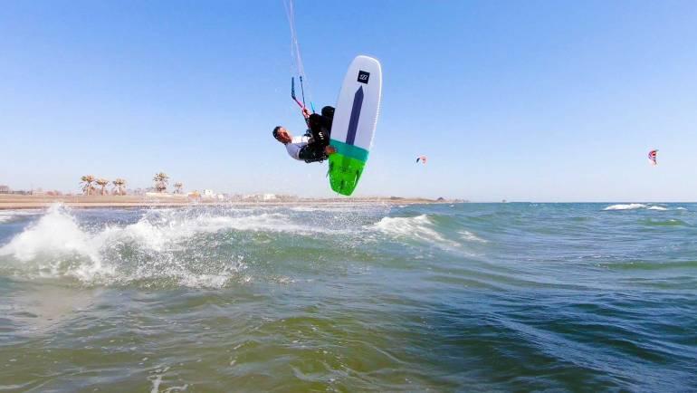 PKR Kitesurf video blog nr. 12 – La Bomba di Campo di Mare, vento termico a volontà