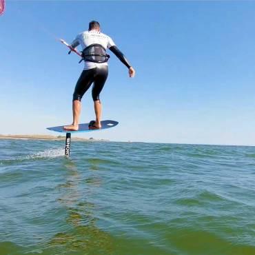 Kitesurf Hydrofoil – Mai noioso, anche con poco vento