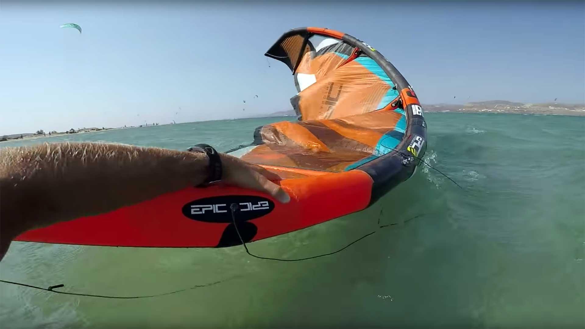 recupero kite in acqua