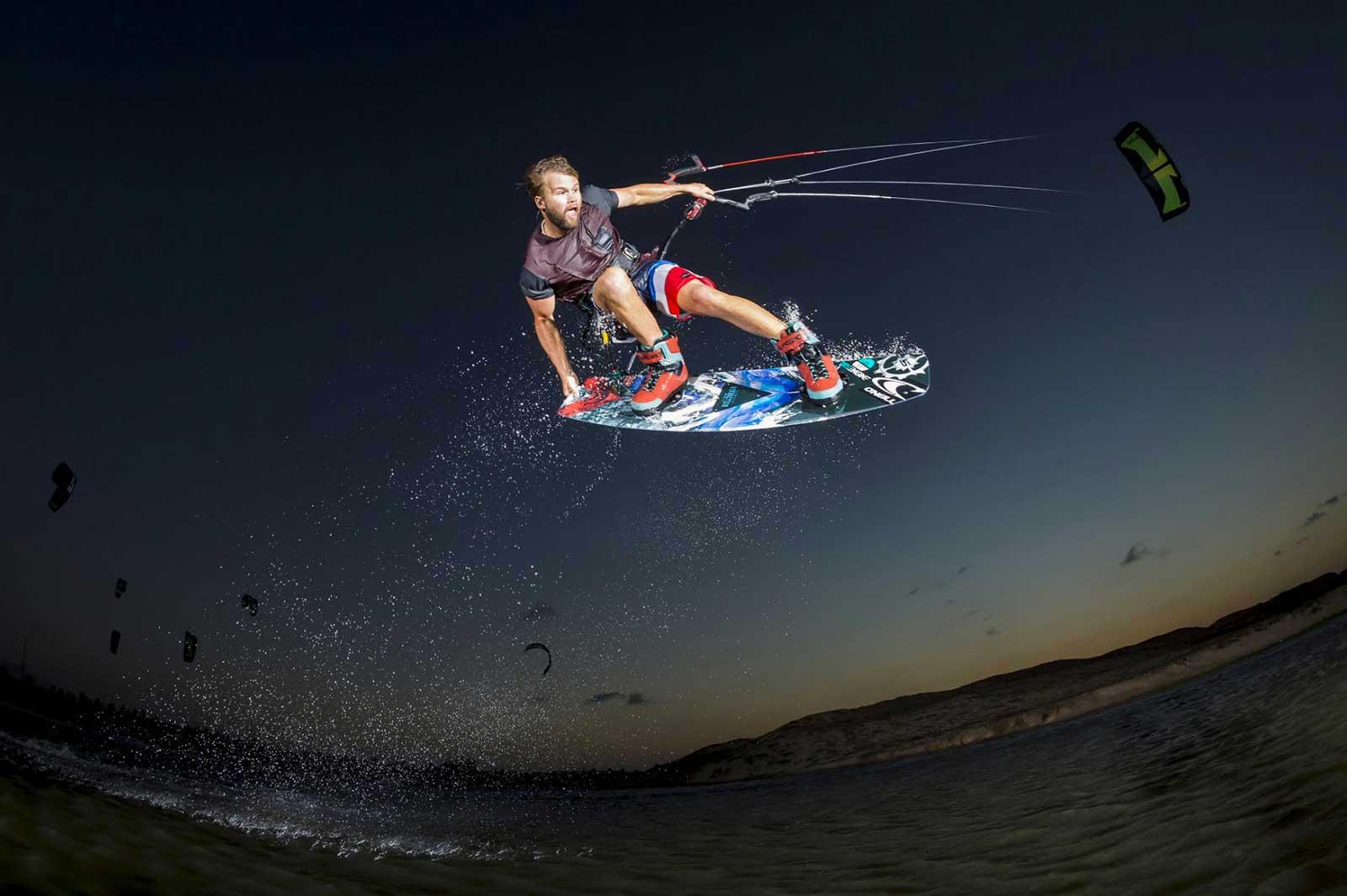 Sam Light kite wake
