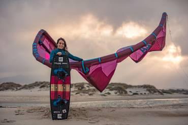 Allenamento di Claudia Leon Martinez in Brasile – Kitesurfing freestyle video