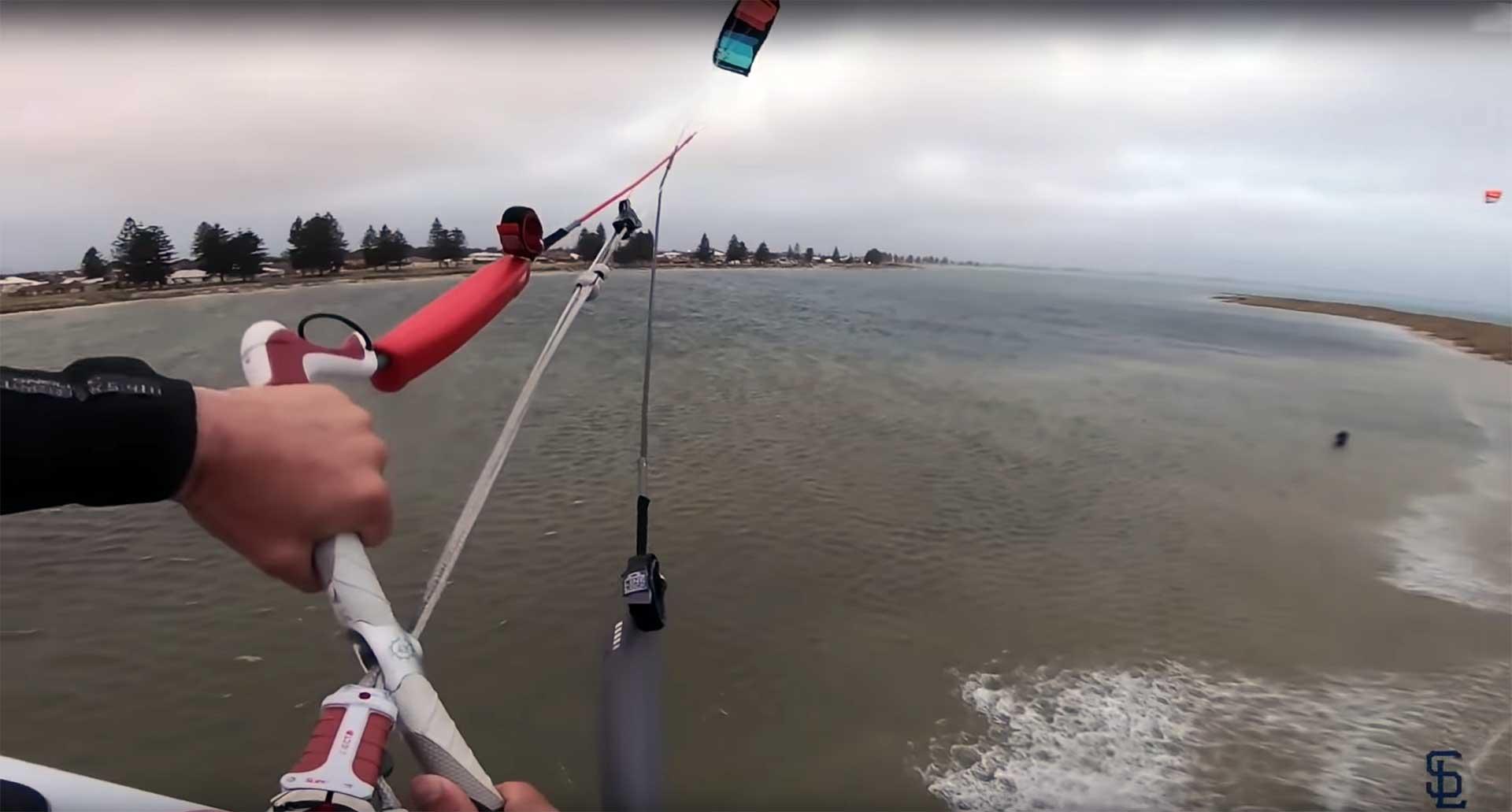 Sam Light salto estremo kitesurf