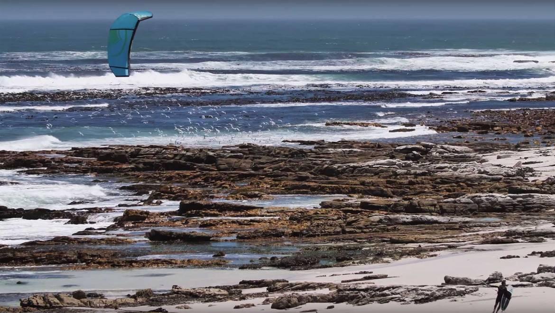 Kitesurfing a Cape Town, Sud Africa – Luke McGillewie video blog ep.1