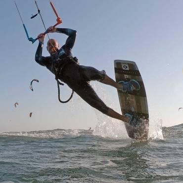 Attrezzatura kitesurf – Come e quale scegliere – La tavola twin-tip