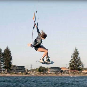 Kitesurf in Australia – Pippa van Iersel Kitesurf  video blog