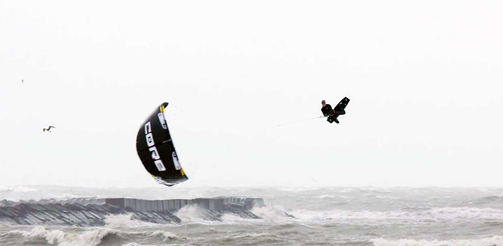 Megaloop kite down