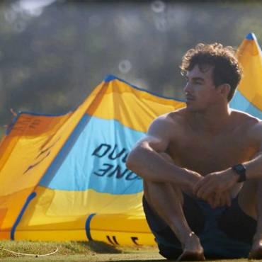 Stefan en la Playa – Parte 2 di 5 – Kitesurfing video KnotFuture