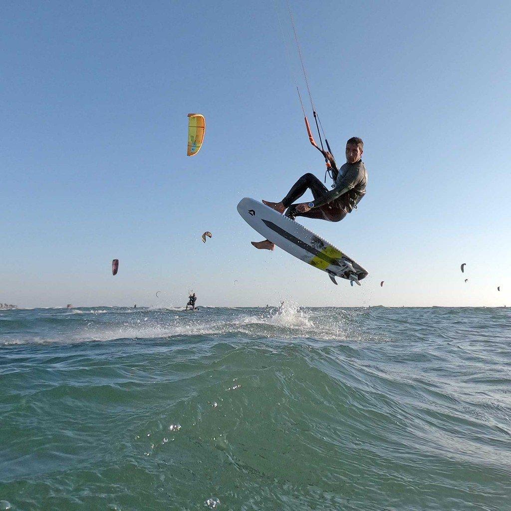 Kitesurf senza strap