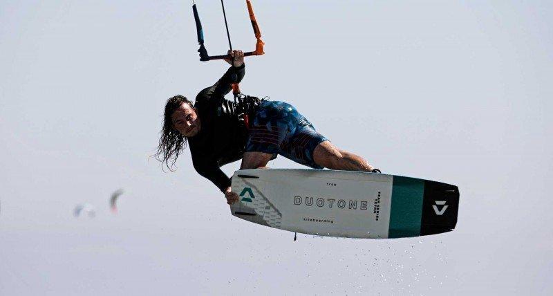 Imparare a saltare con il kitesurf