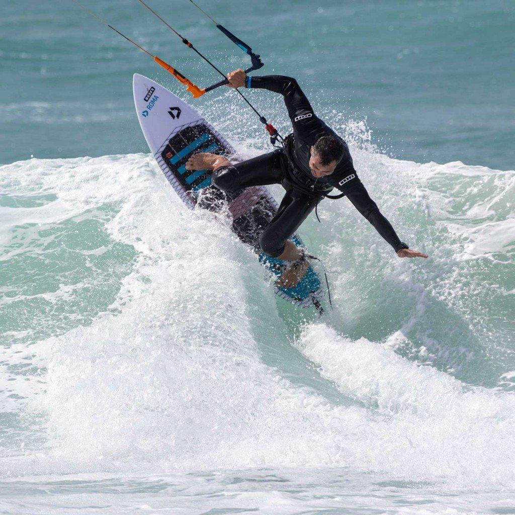 Lezioni di kitesurf wave Roma