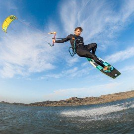 Kitesurf megaloop big air