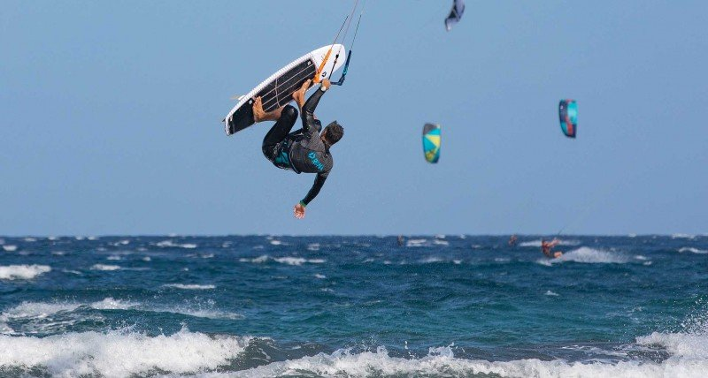 Come fare Kitesurf Strapless