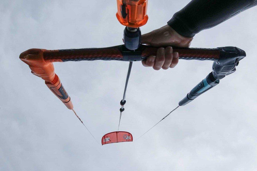 Kitesurf partenza dall'acqua