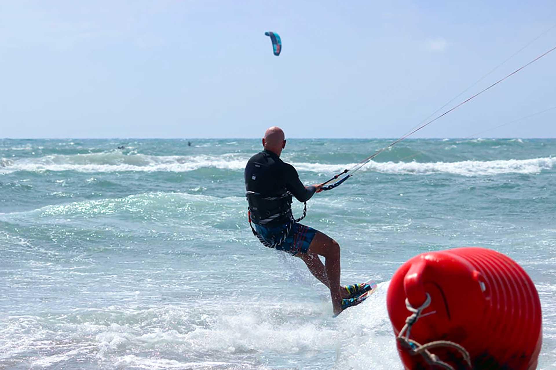 Scuola kitesurf Ostia Scirocco