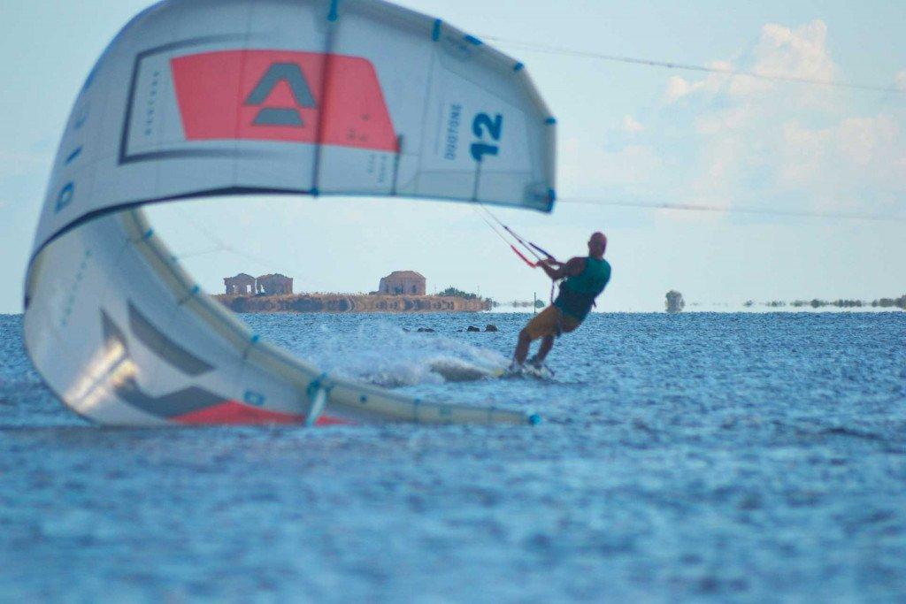 Kitesurf Corsi e Lezioni Stagnone