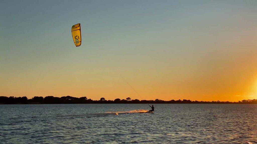 Kitesurf Stagnone tramonto